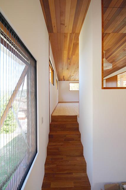 外壁、内装、漆喰塗り壁、内部オイルニス工事の新築住宅